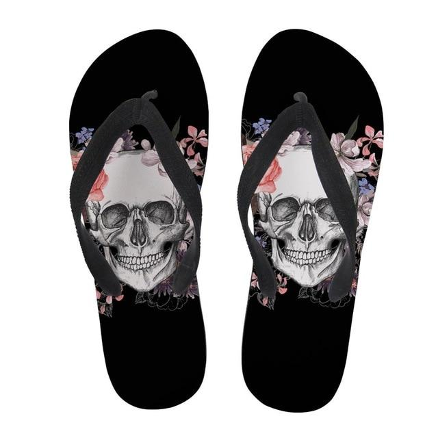 Skull and Crossbones Tong